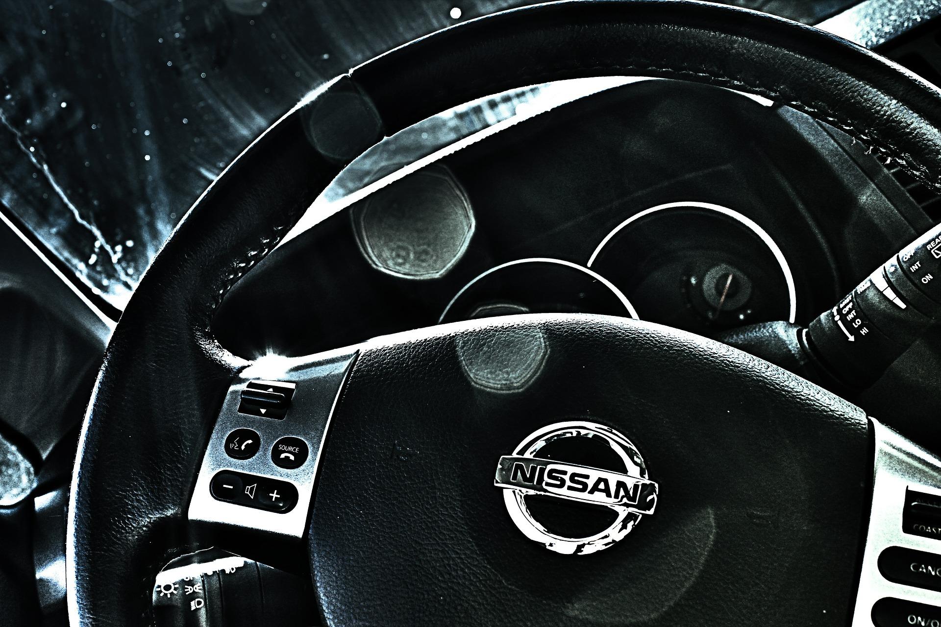 nissan-440488_1920